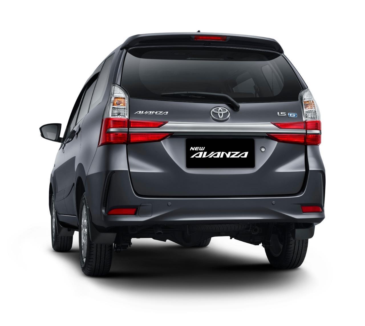 Tampak tampilan belakang New Toyota Avanza 1.5 G M/T 2019 berwarna hitam