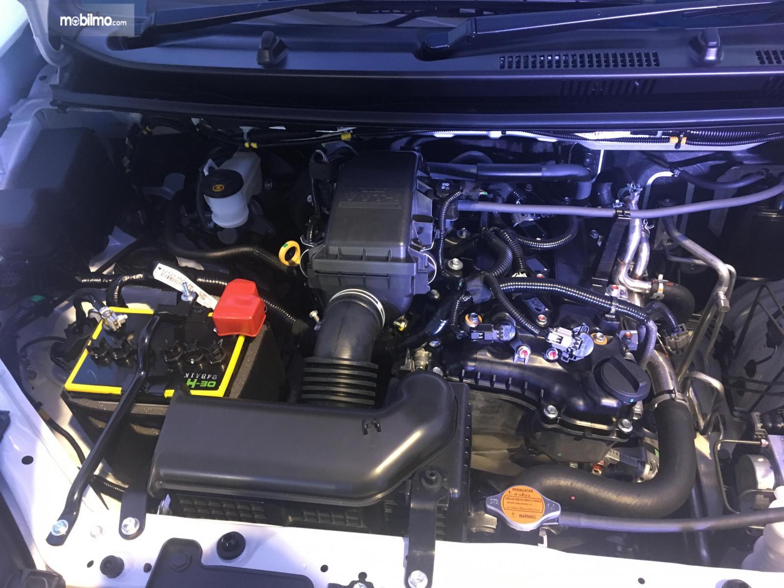 Tampak Mesin 1NR-VE di Daihatsu Grand New Xenia R A/T 1.3 Deluxe 2019