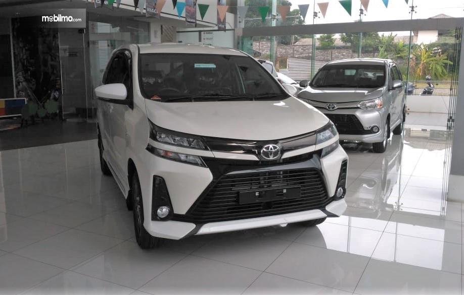 Foto New Veloz 1,5 di dealer Nasmoco Karangjati Ungaran