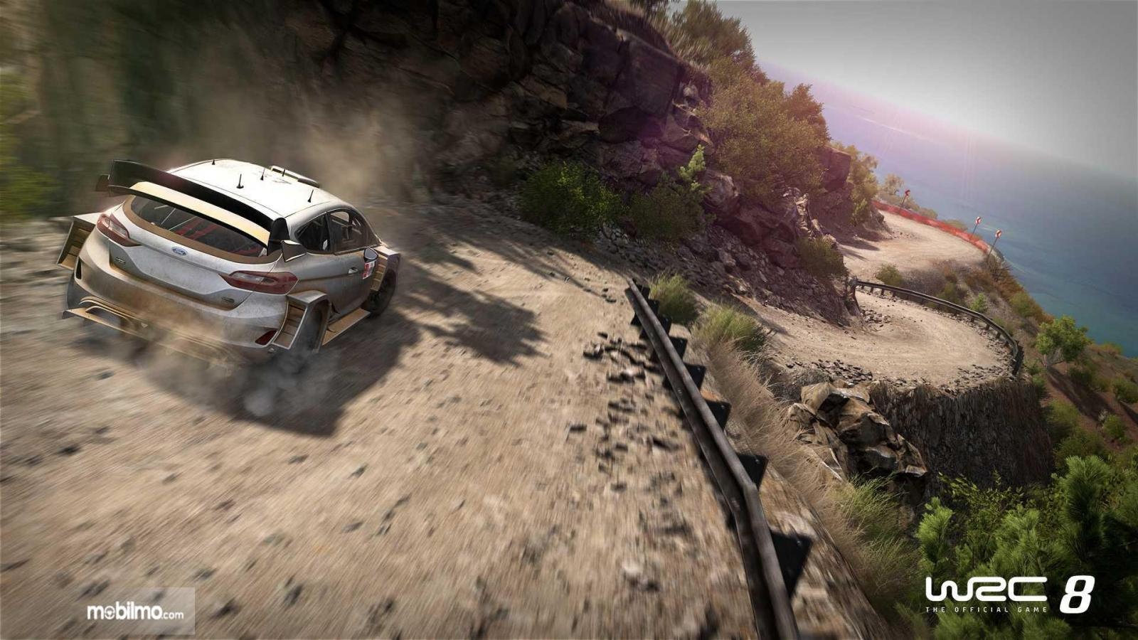 gameplay baru WRC 8 dengan mobil balap berwarna putih