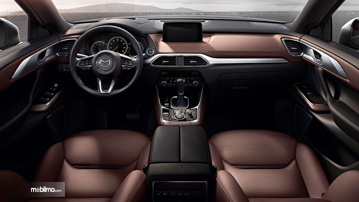 dasbor Mazda CX-9 2019 berwarna cokelat dan hitam