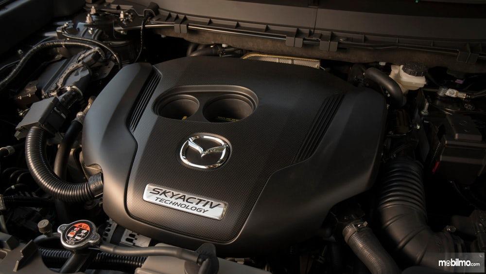 mesin Mazda CX-9 2019 berwarna hitam