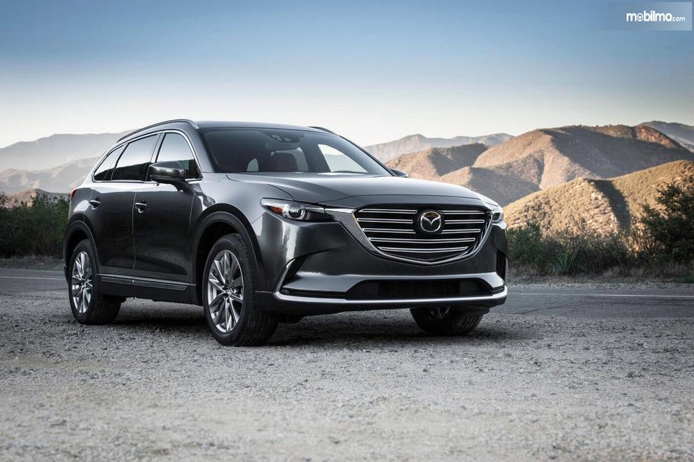 Mazda CX-9 2019 berwarna hitam