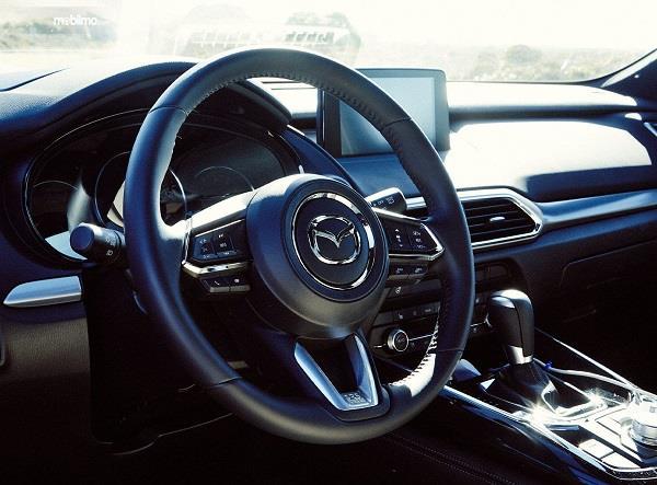 kemudi Mazda CX-9 2019 berwarna hitam
