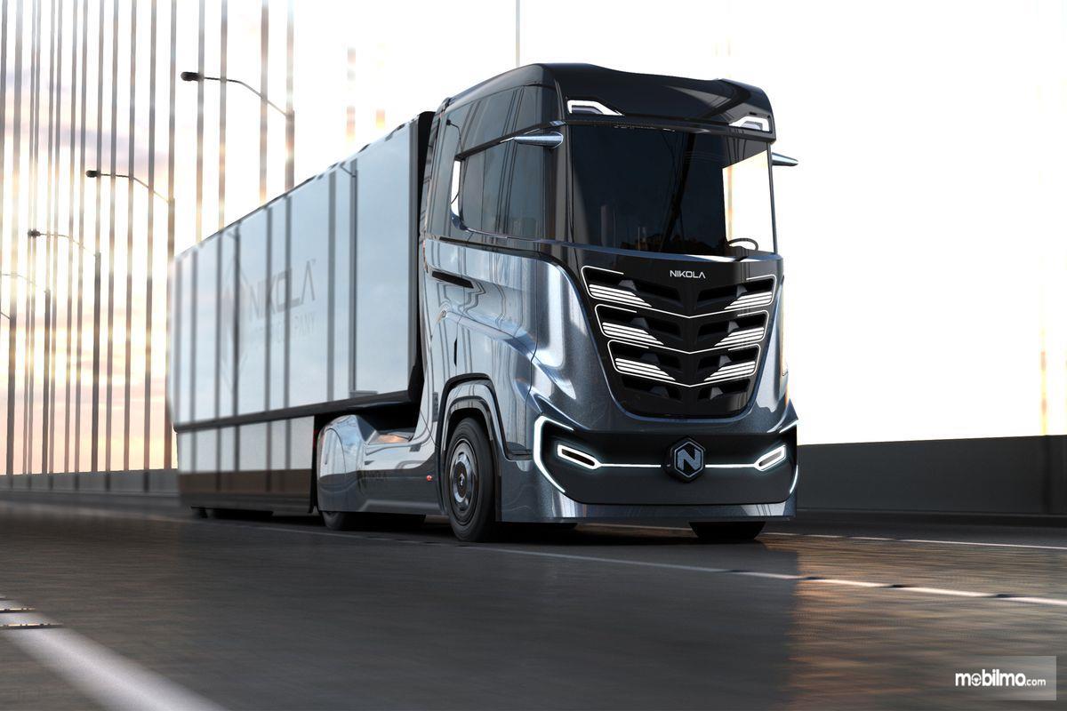 ilustrasi truk Nikola berwarna hitam