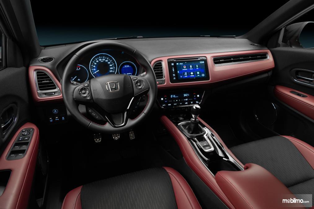 dasbor Honda HR-V Sport Turbo 2019 berwarna hitam