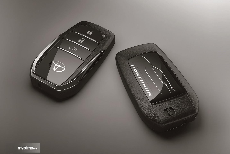 Foto Toyota Fortuner Smart Key