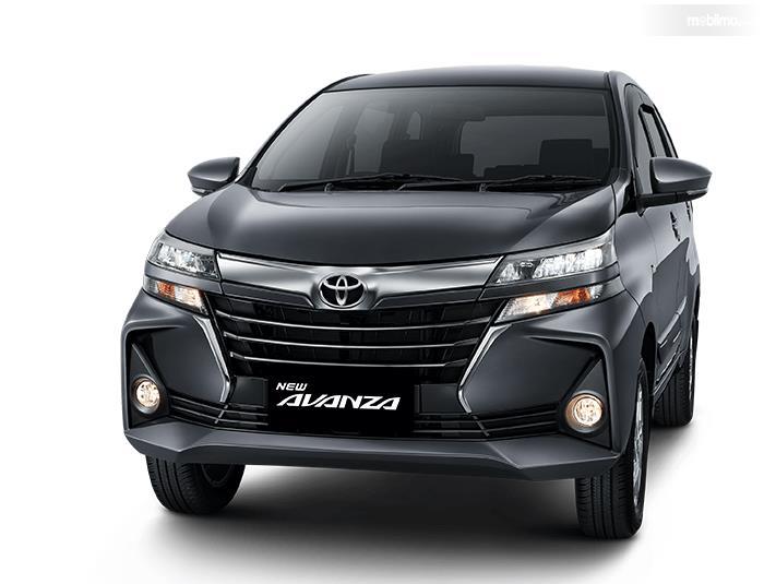 Gambar ini menunjukkan mobil Toyota New Avanza 2019 tampak bagian depan