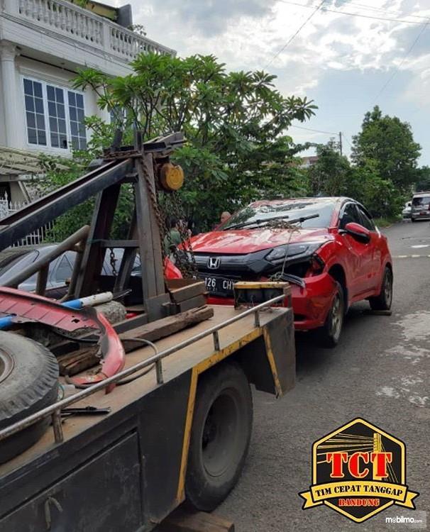 Foto Honda HR-V diderek petugas