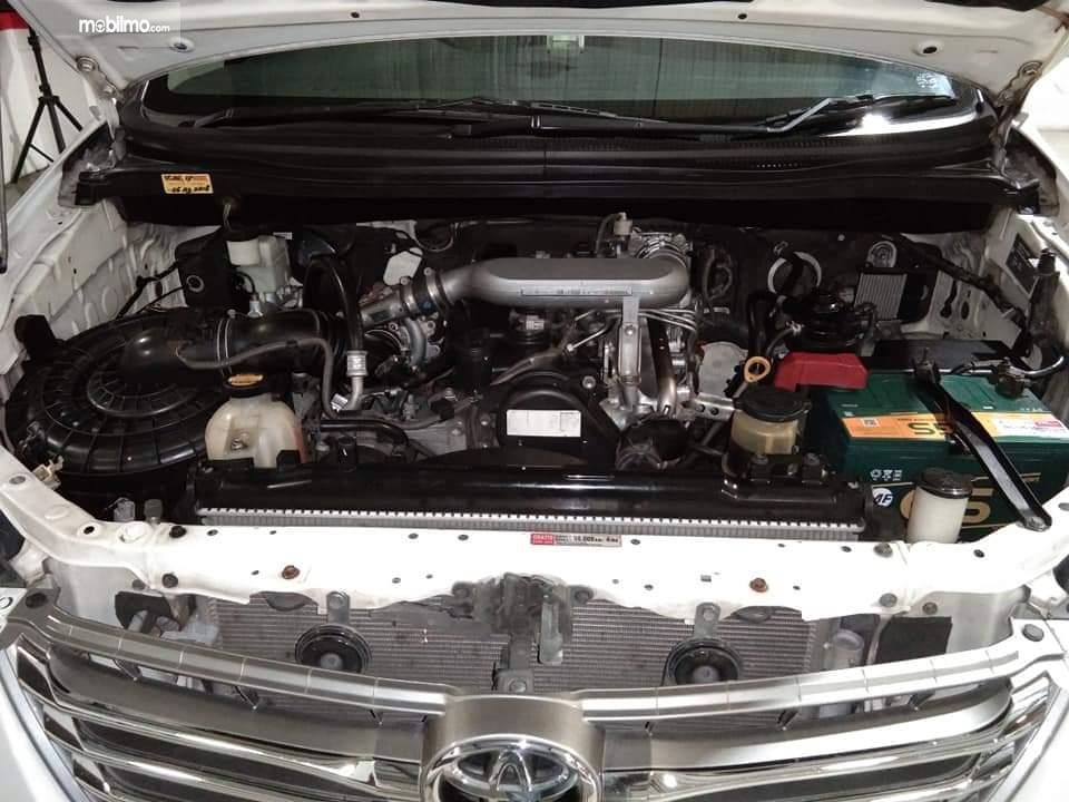 Tampak Mesin 2KD-FTV di Kijang Innova Diesel