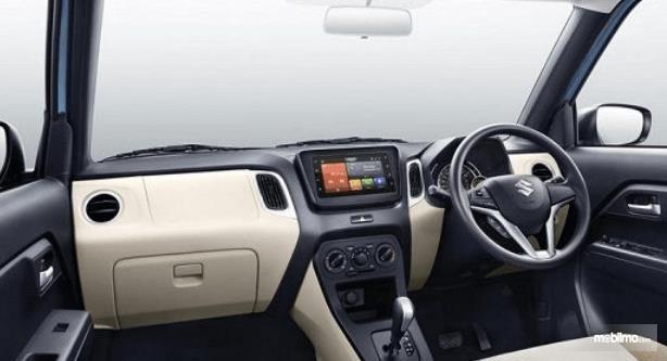 Gambar ini menunjukkan interior mobil Suzuki Wagon R 2019 yang dirilis di India