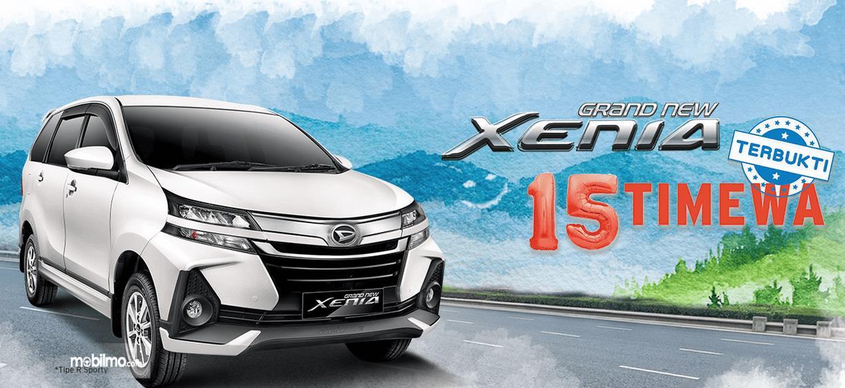 Gambar ini menunjukkan Mobil Daihatsu Grand New Xenia tipe R Sporty warna putih