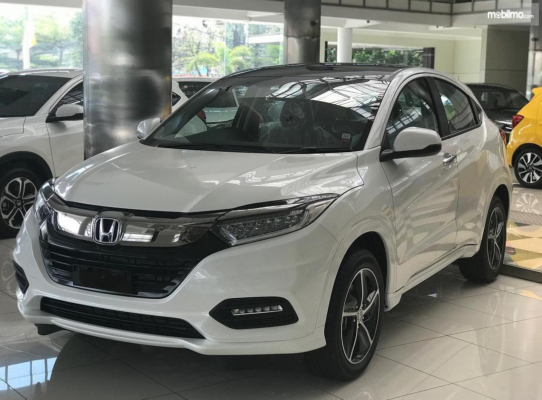 Tampak New Honda HR-V 1.8 Prestige 2018 berwarna putih