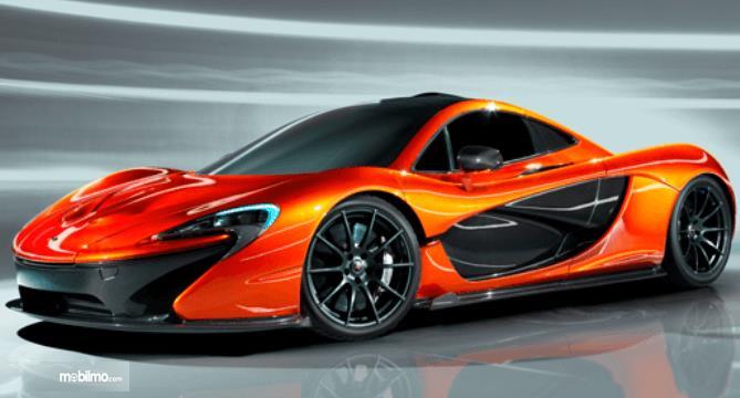 gambar ini menunjukkan mobil supercar besutan McLaren yang sangat keren