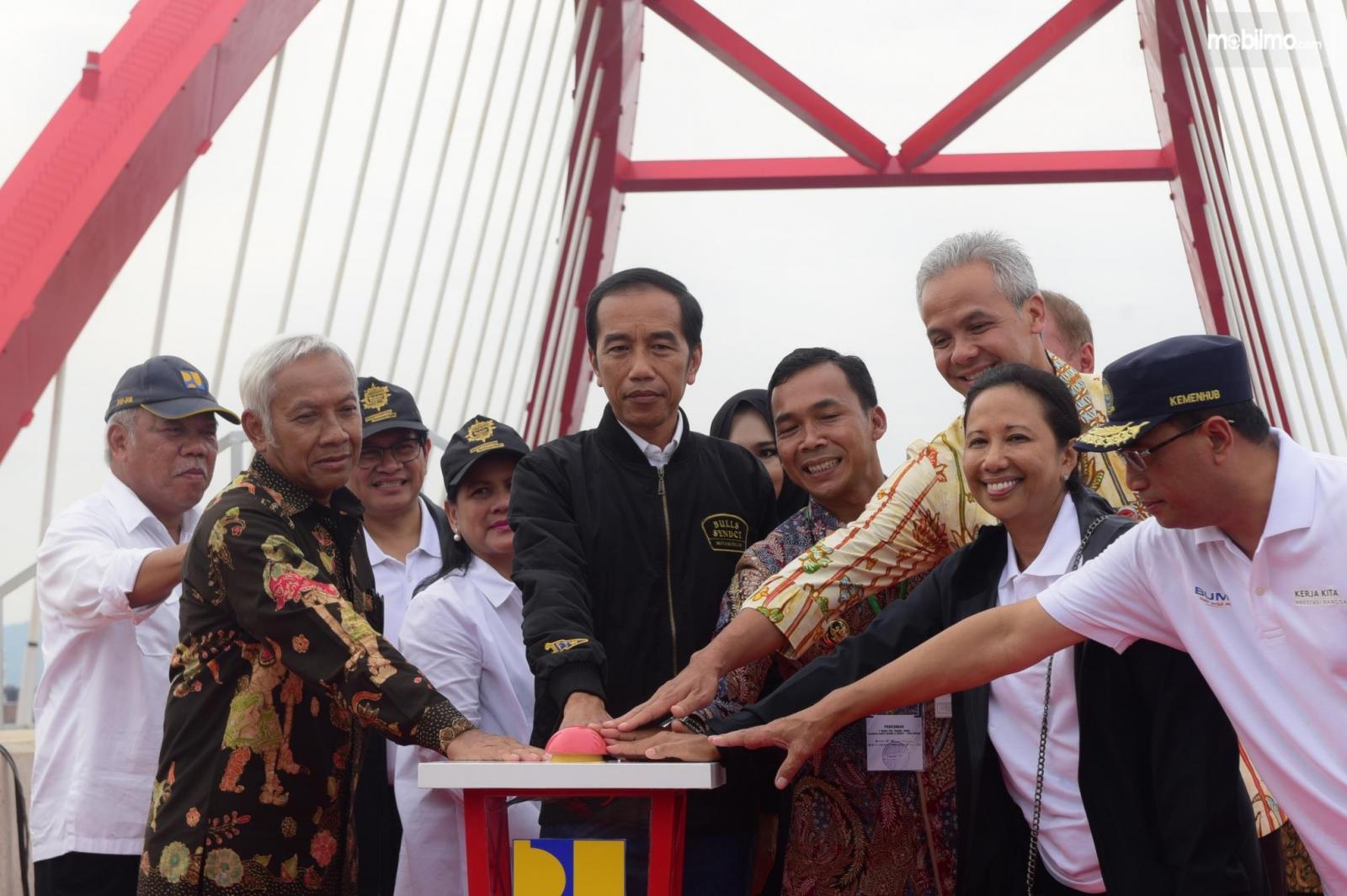 Presiden meresmikan 3 ruas tol di Jawa Tengah (21/12/2018)