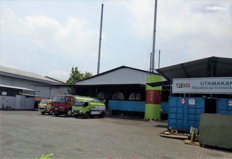 Salah satu tempat pengolahan oli bekas di Kota Lumajang, Jawa Timur