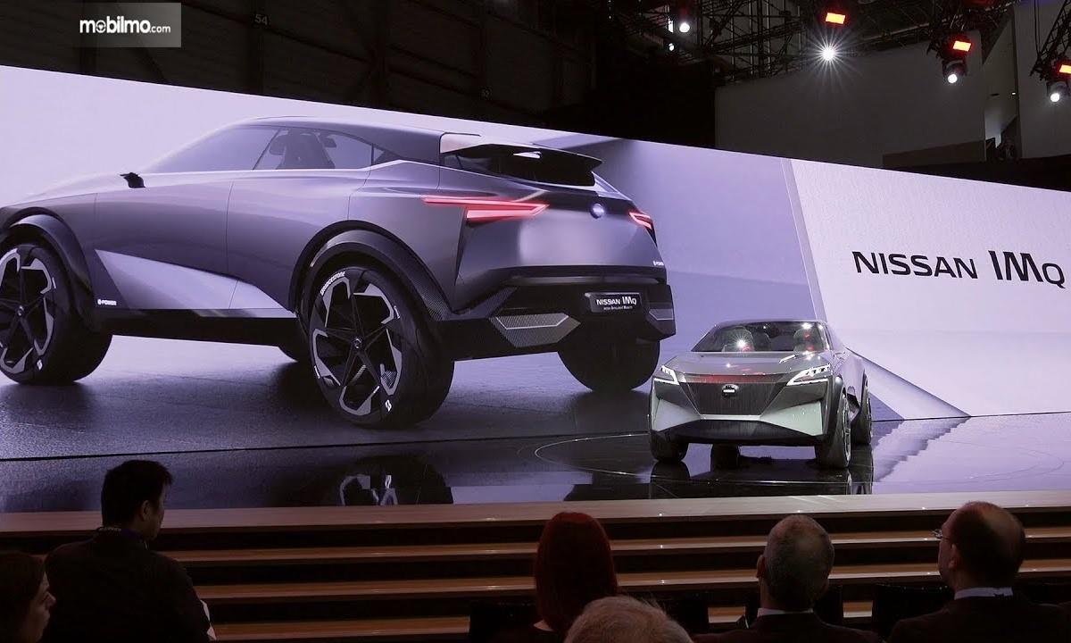 Foto Nissan IMQ Hybrid saat diluncurkan