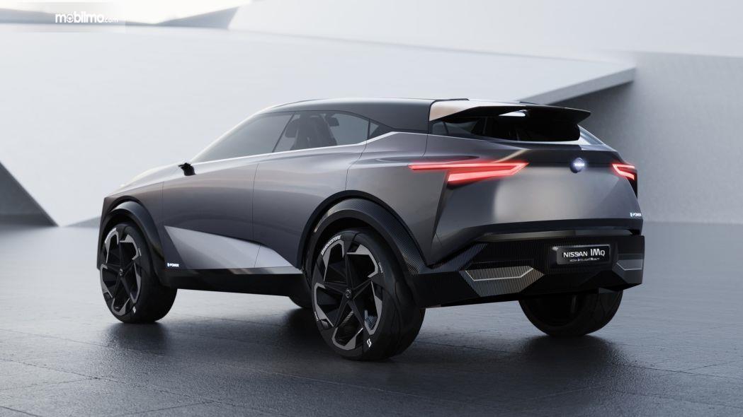 Foto Nissan IMQ Hybrid tampak samping belakang