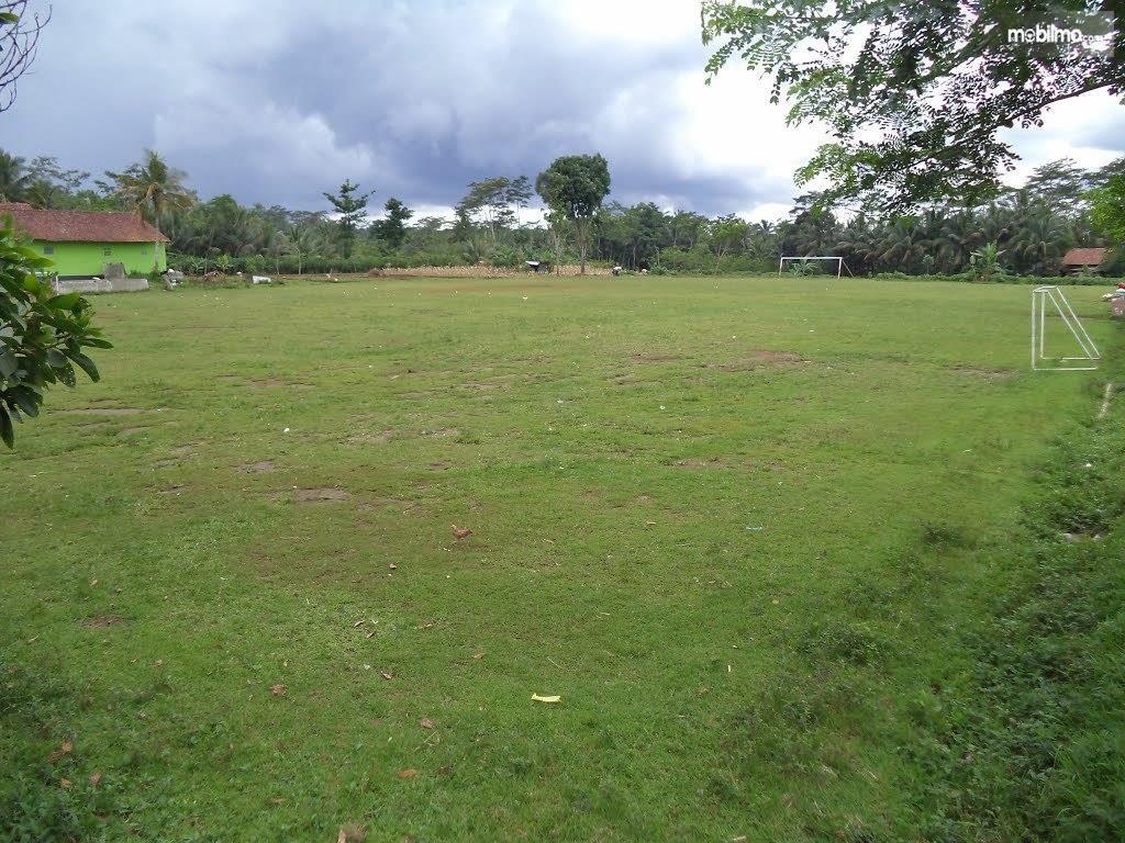 Foto lapangan sepakbola kampung