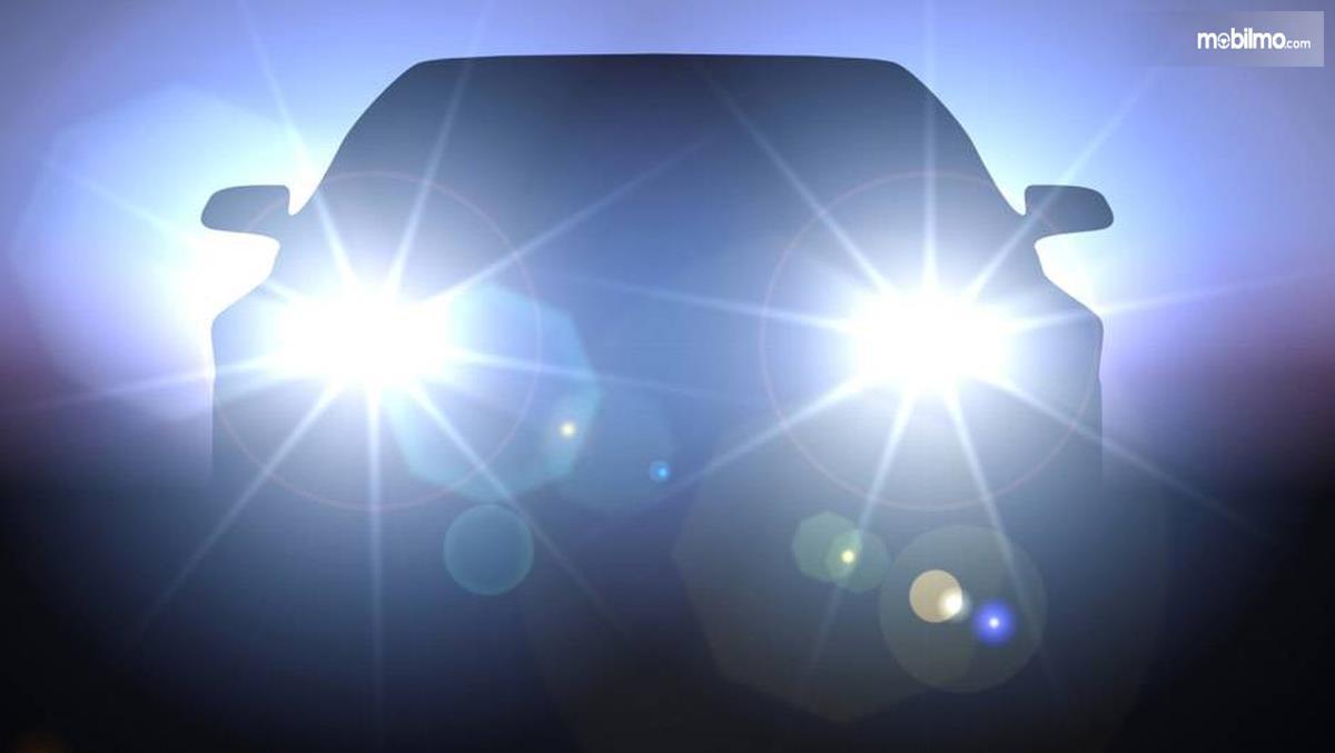 Foto lampu mobil menyilaukan