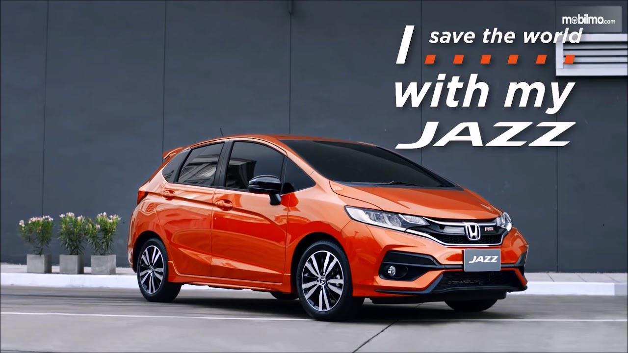Foto Honda Jazz tampak samping