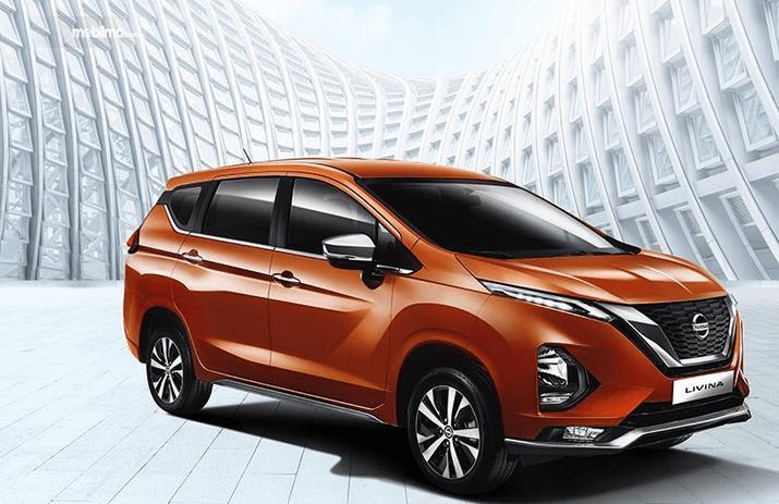 Gambar ini menunjukkan All New Nissan Livina tampak bagian samping kanan