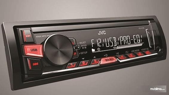 Gambar ini menunjukkan fitur audio yang terdapat pada Mitsubishi Colt T120SS 2015