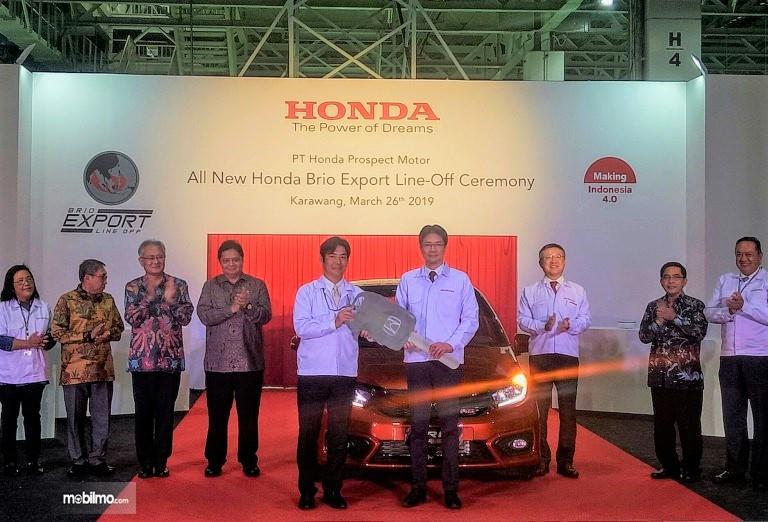 Foto suasana Seremoni ekspor perdana All New Honda Brio