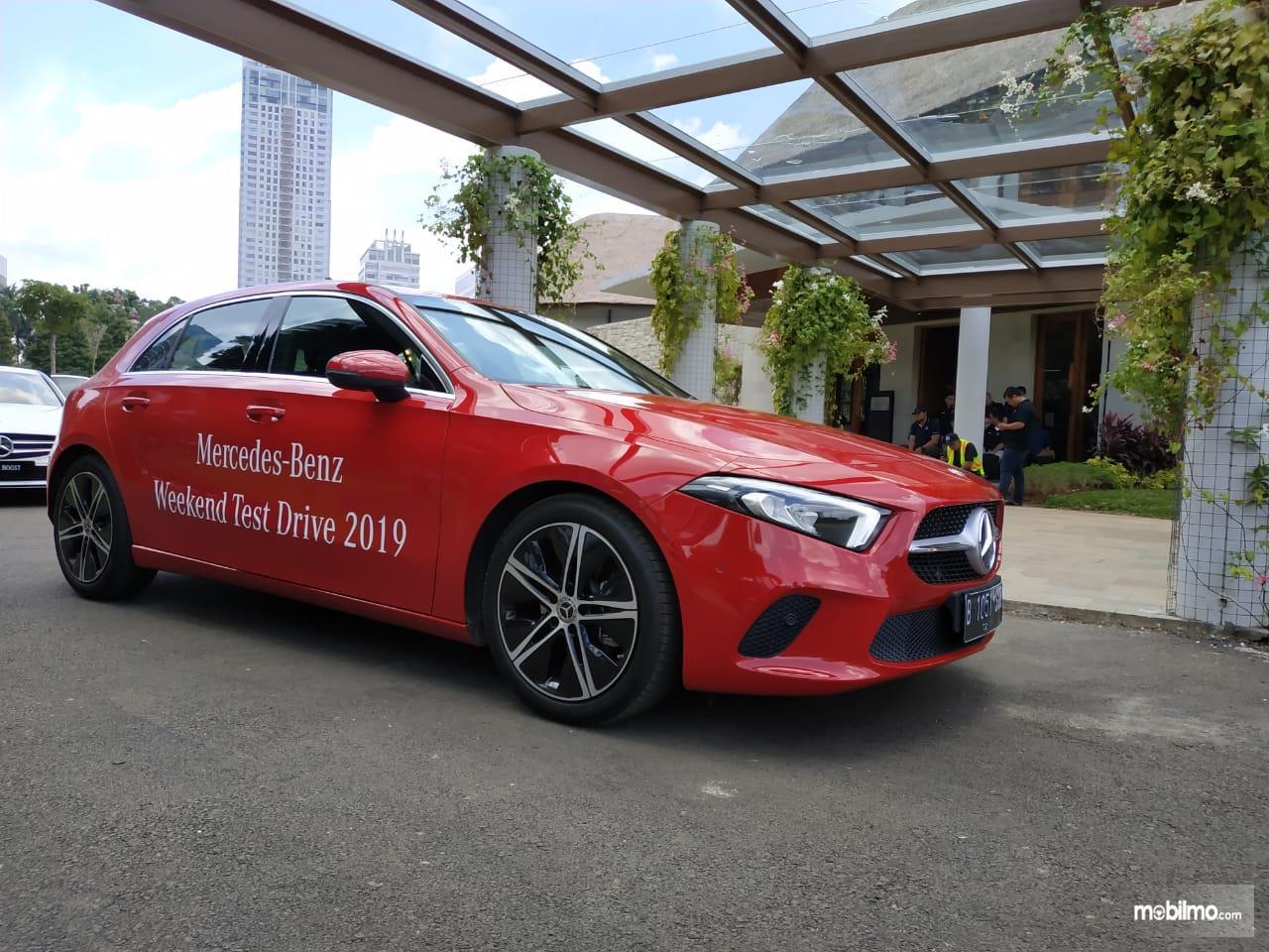 Review Mercedes-Benz A 200 Progressive Line 2019: Tampak tampilan depan Mercedes-Benz A 200 Progressive Line 2019