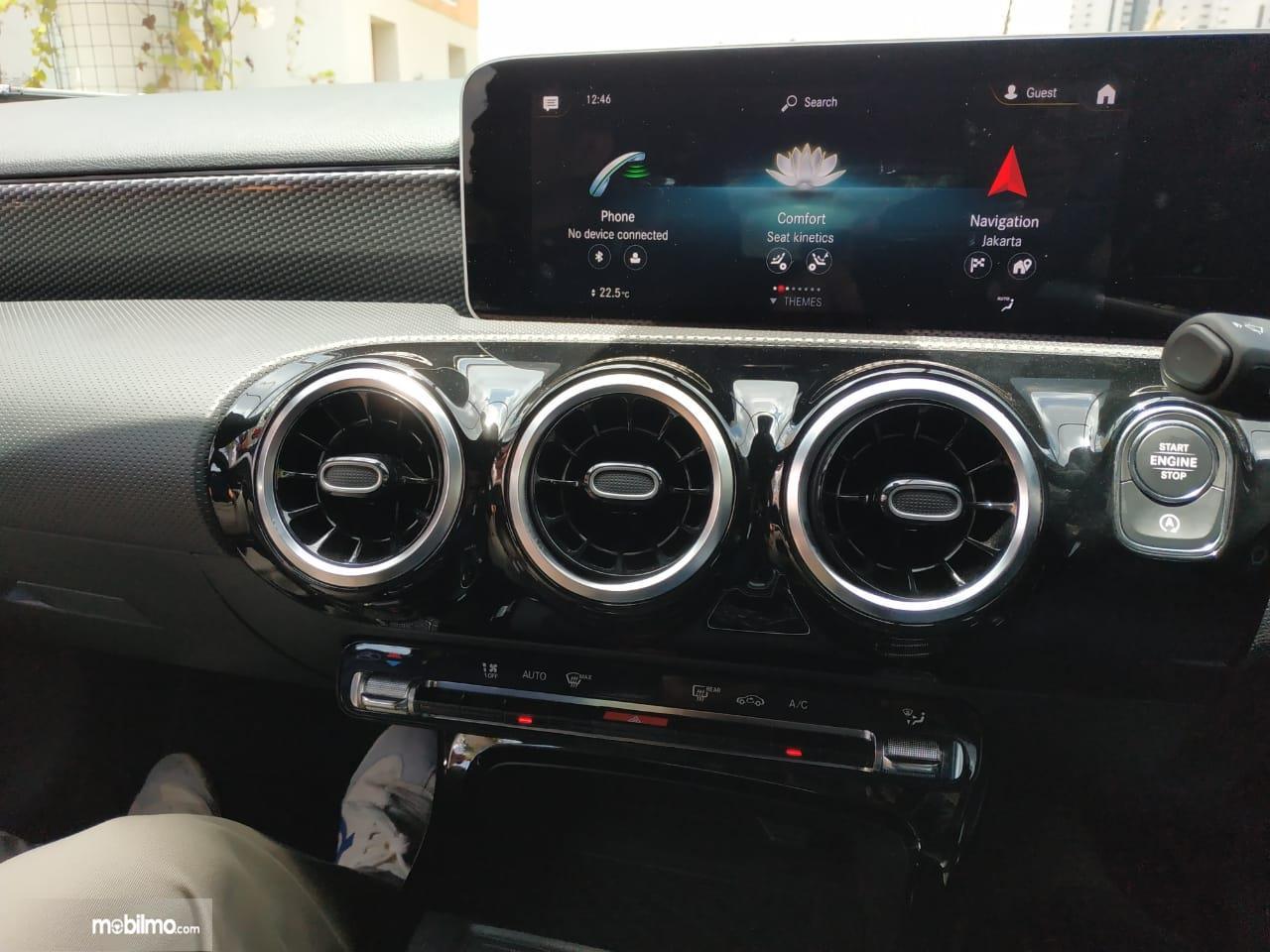Review Mercedes-Benz A 200 Progressive Line 2019: Tampak layar MBUX di Mercedes-Benz A 200 Progressive Line 2019