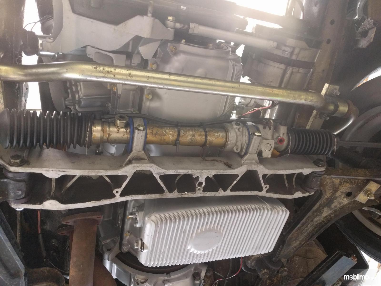Oli power steering bisa bocor bila tidak dibersihkan