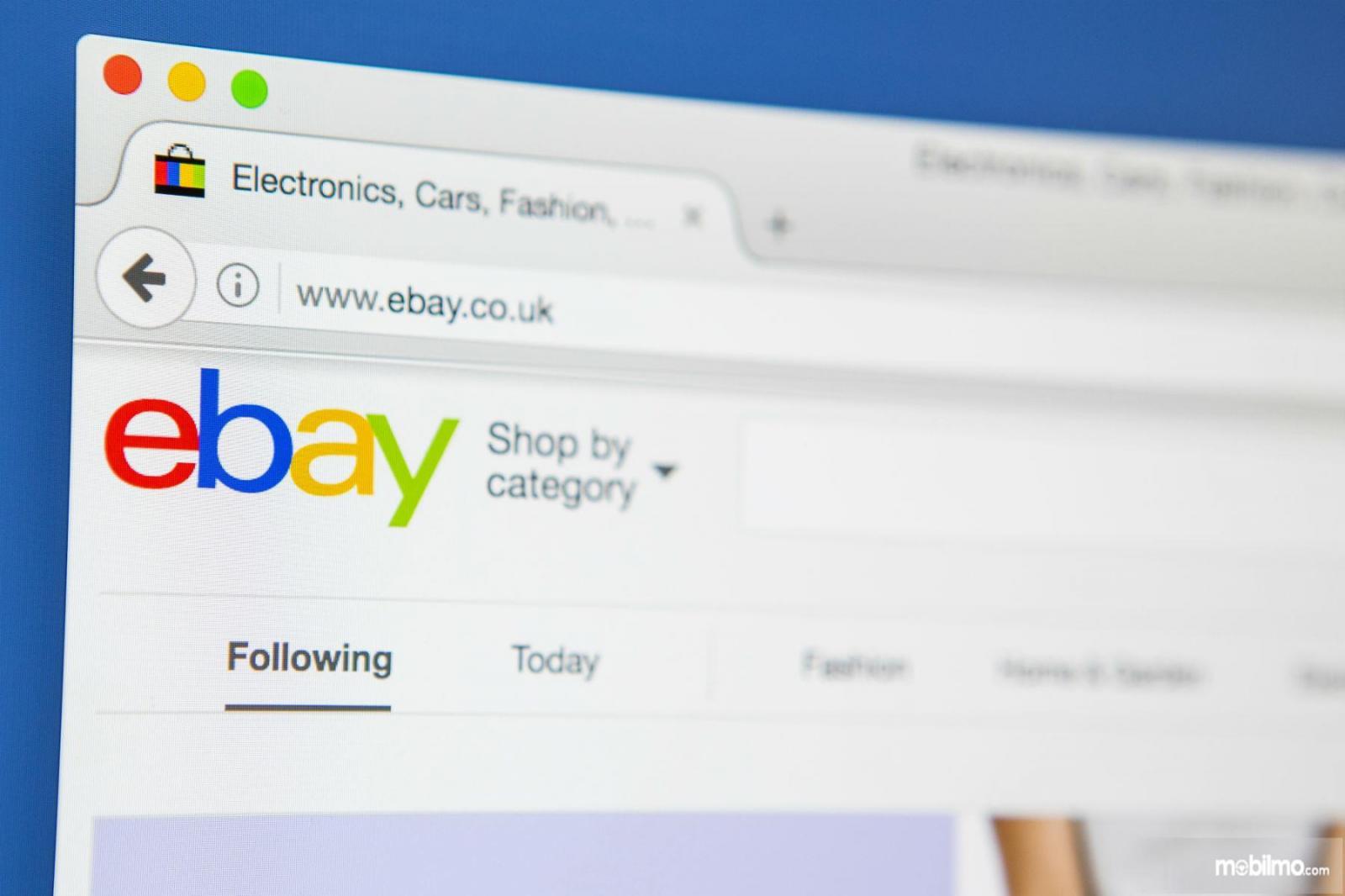 Gambar tampilan eBay, situs jual beli dan lelang terbesar di dunia yang menyediakan banyak produk mulai yang baru, bekas hingga rusak