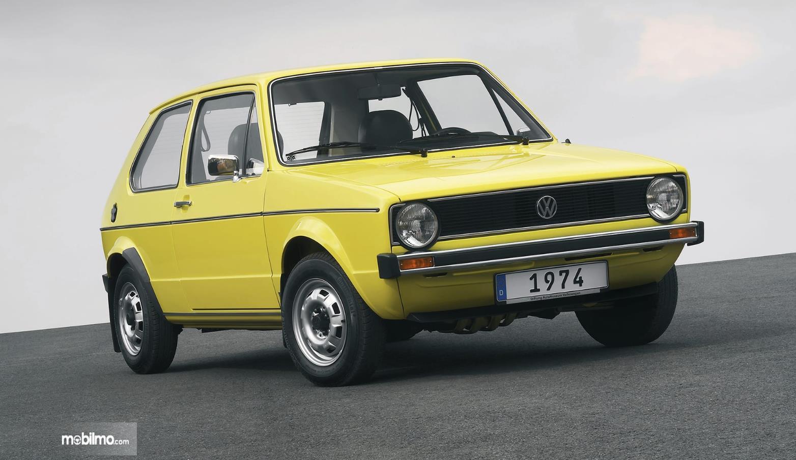 Foto VW Golf 1974 - generasi pertama dari VW Golf