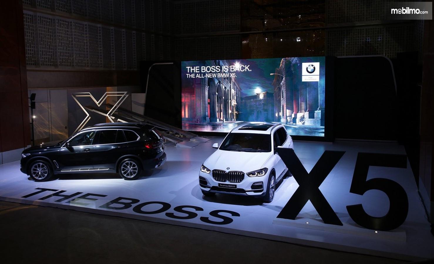 Foto BMW X5 The Boss pada saat diluncurkan di Jakarta, 11 April 2018