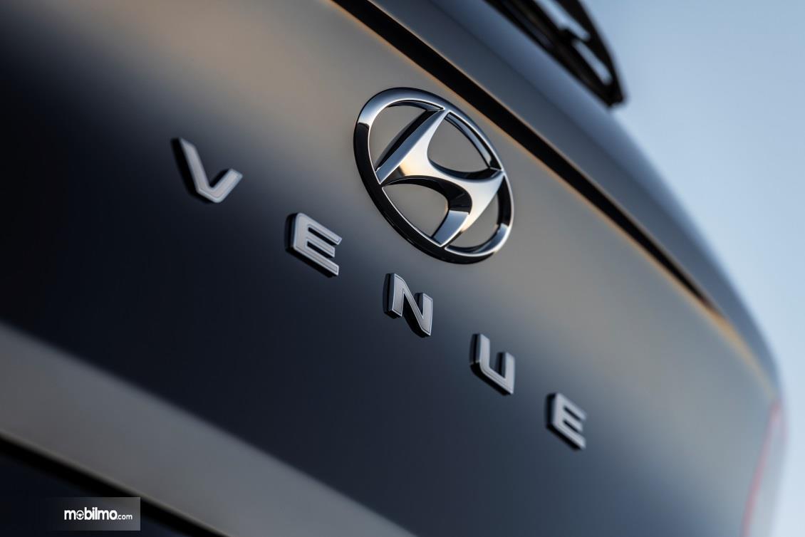 Emblem Hyundai Venue yang telah dipublikasikan di laman resmi Hyundai