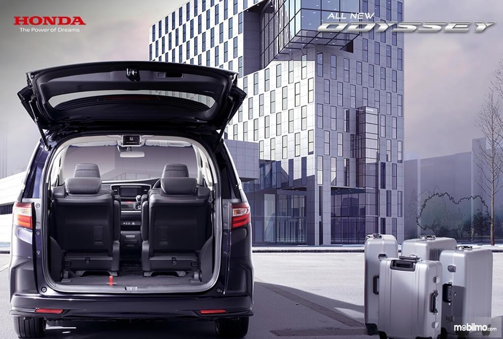 Foto Bagasi All New Honda Odyssey 2017 yang bisa menampung banyak barang bawaan