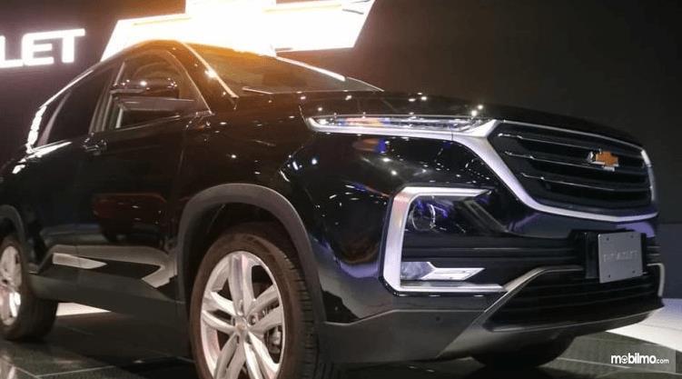 Gambar ini menunjukkan mobil All New Chevrolet Captiva 2019 tampak bagian depan