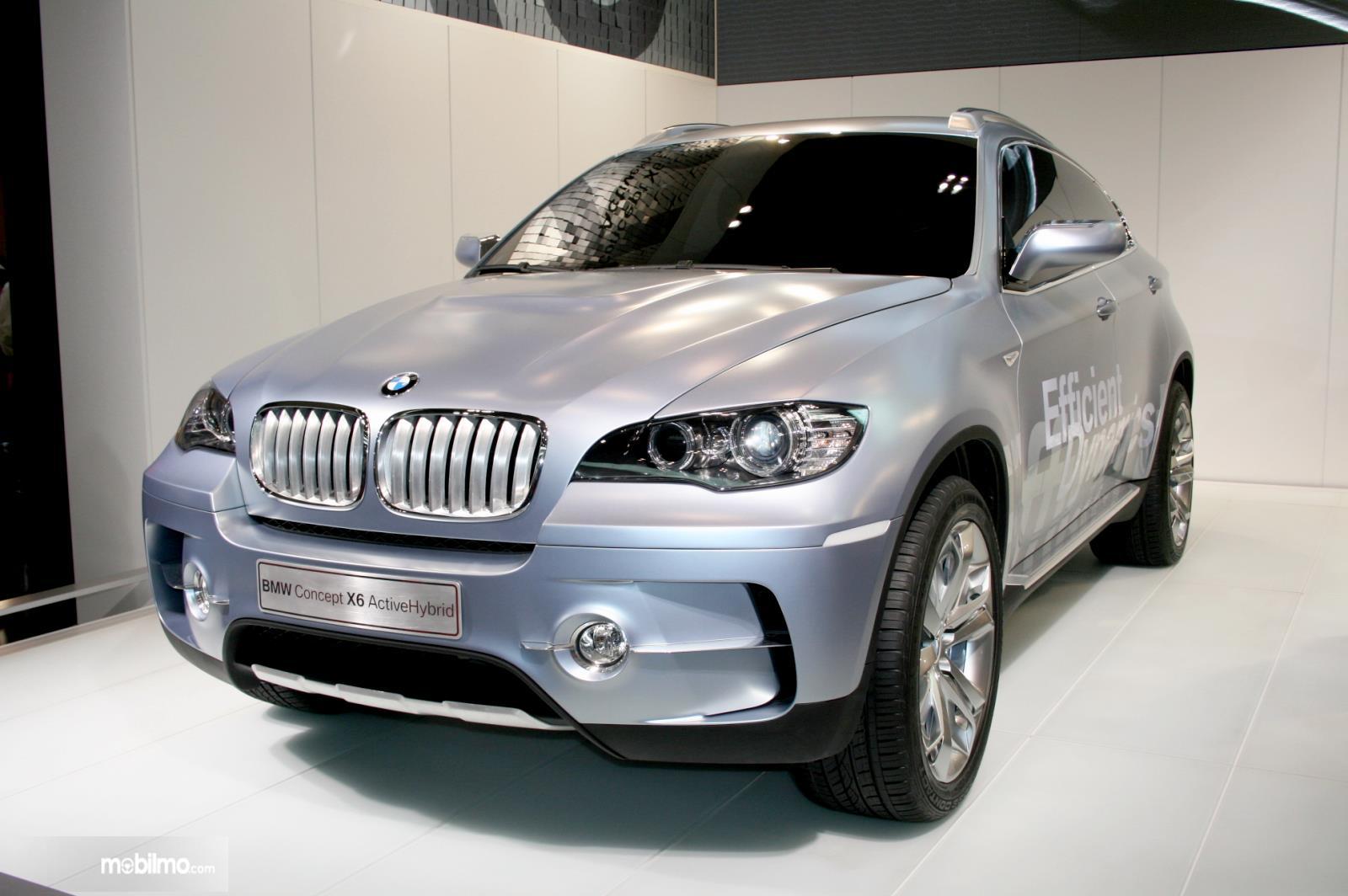 Foto BMW X6 Concept saat diperkenalkan di Jerman tahun 2007