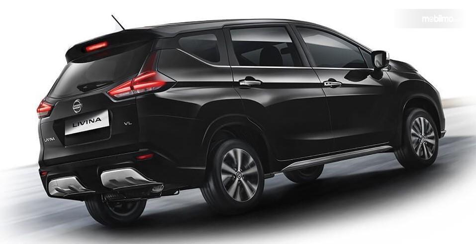 Foto All New Nissan Livina dilihat dari belakang tampak mirip dengan Mitsubishi Xpander