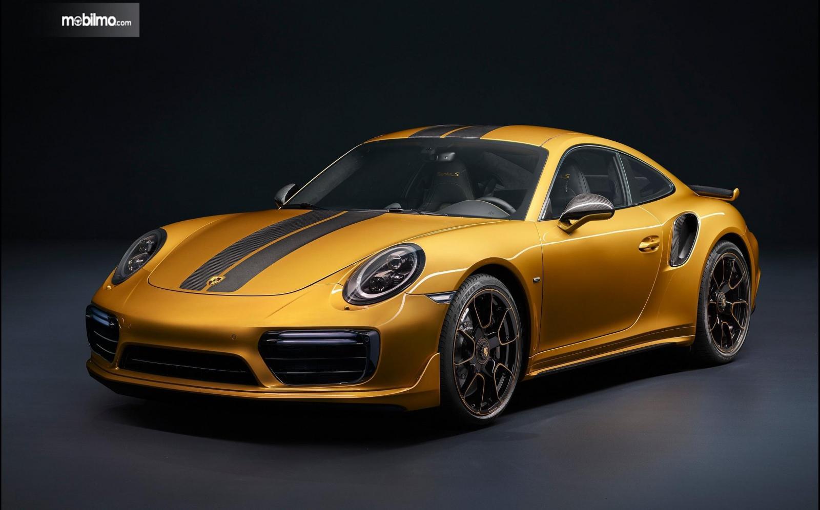 Tampilan menarik mobil sport Porsche 911