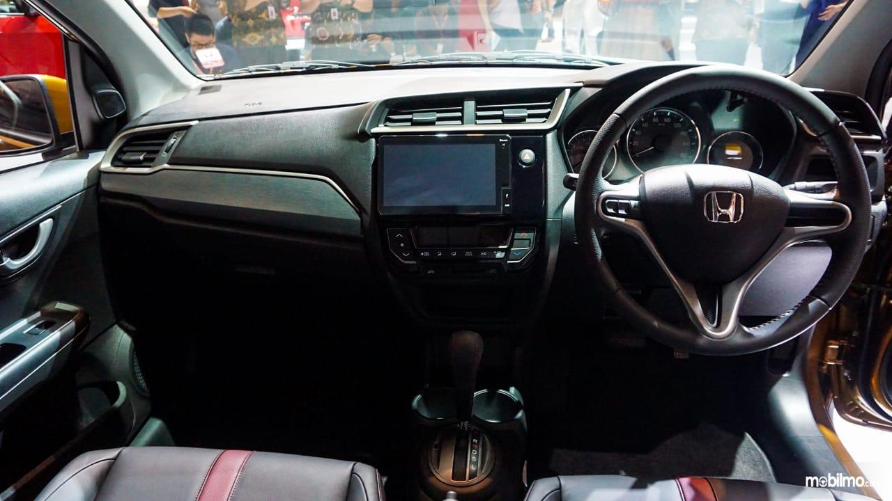 Gambar menunjukkan Layout dasbor New Honda BR-V 2019