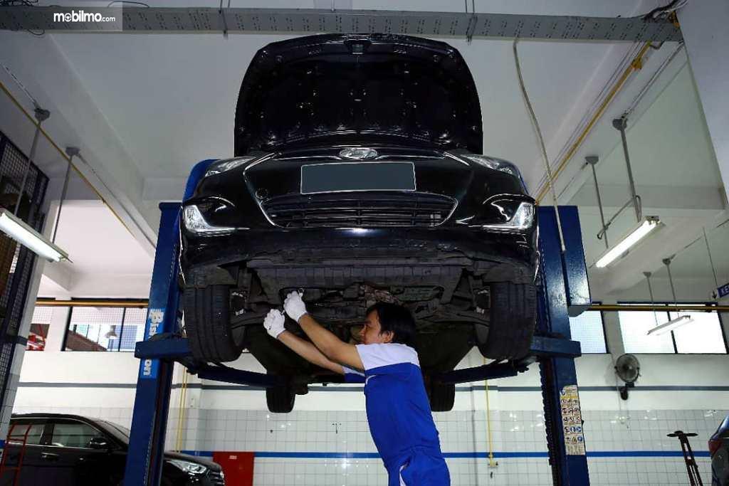 Bengkel Hyundai Siaga lakukan service kepada mobil Hyundai