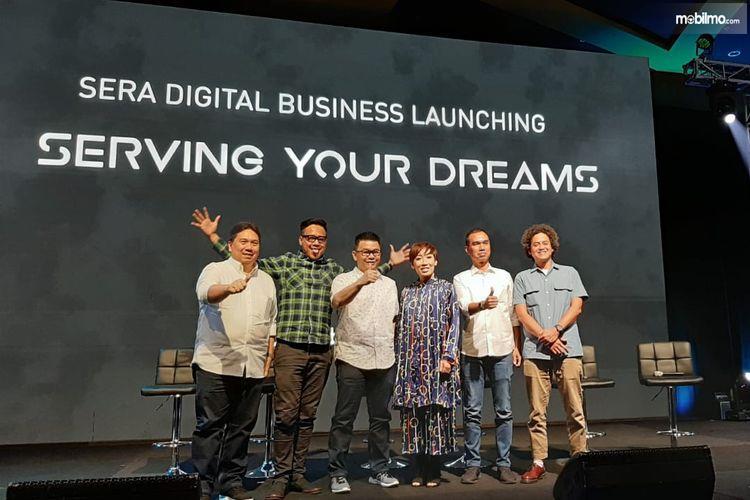 Foto bersama dalam acara peluncuran tiga aplikasi baru SERA