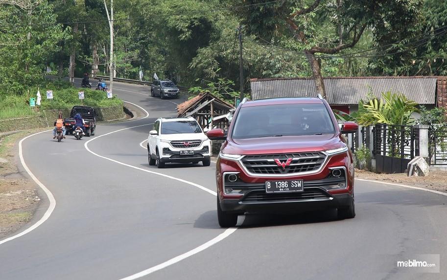 Rombongan Test Drive Wuling Almaz menempuh jalur Tasikmalaya - Jakarta via Bandung