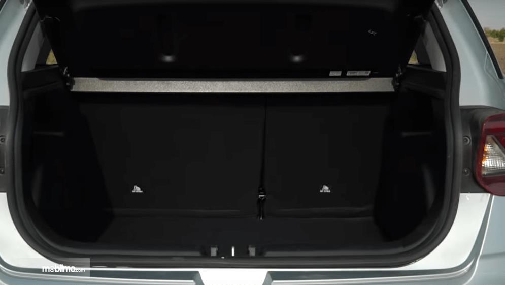 Gambar ini menunjukkan bagasi mobil yang dimiliki Hyundai Venue 2019