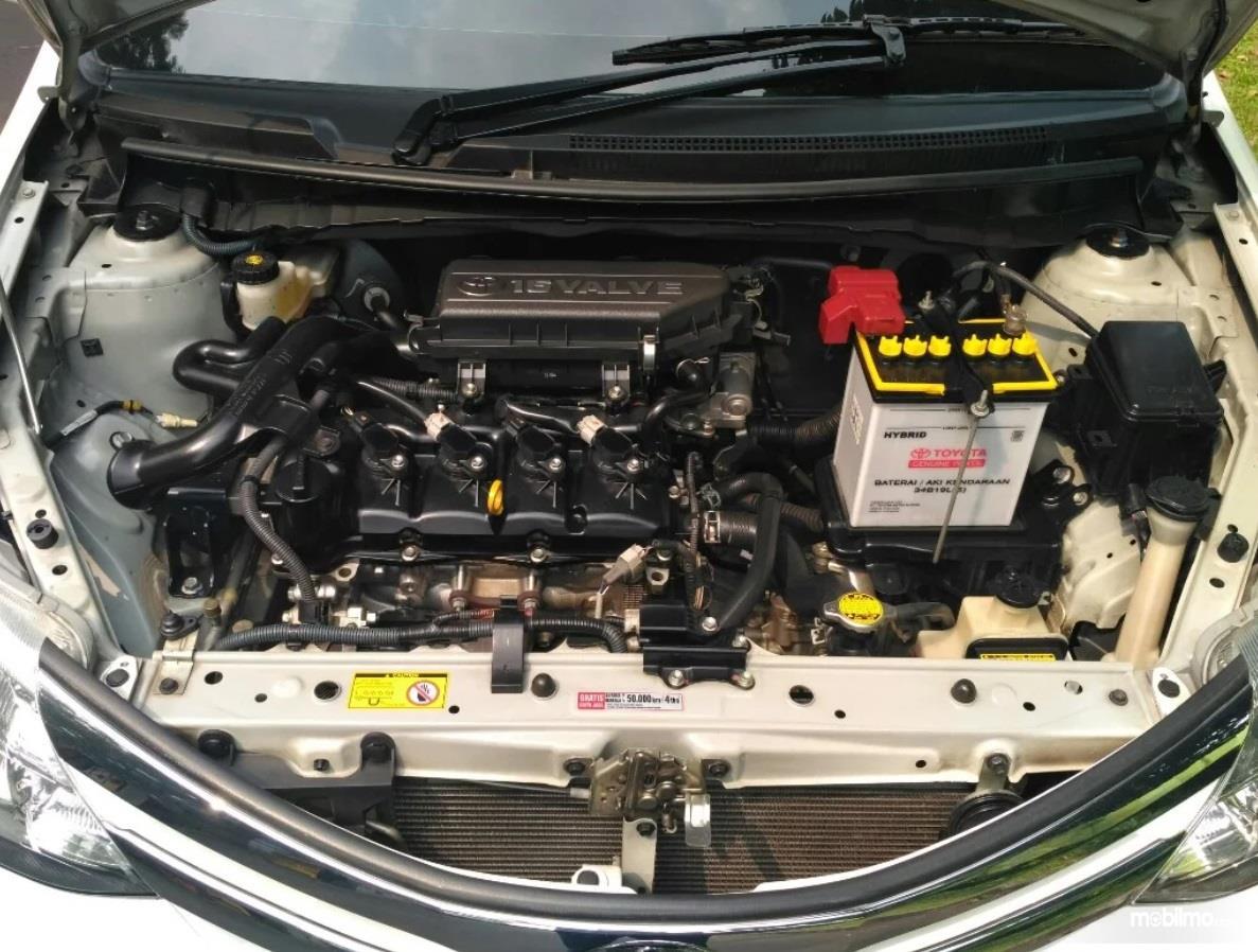 Operasi Mesin Toyota Etios Valco G 2013 mampu menyemburkan daya hingga 80 PS