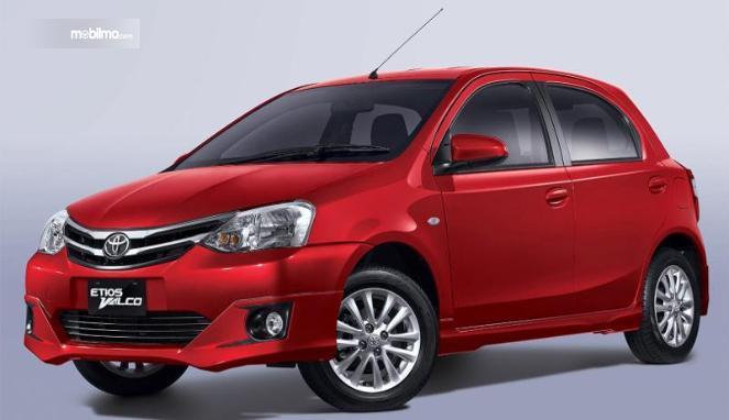 Toyota Etios Valco berdiri sebagai Hatchback ringkas yang memiliki harga lebih terjangkau dari Toyota Yaris
