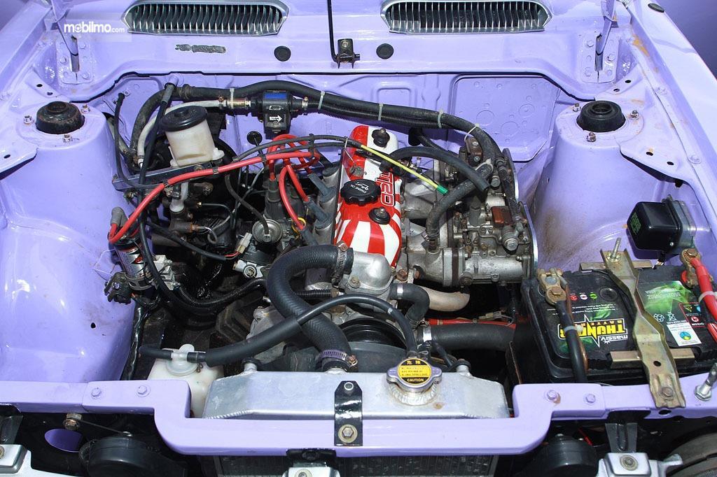 Tampak mesin 7K pasang turbo