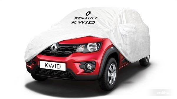 Gambar sebuah mobil Renault Kwid 2016 berwarna merah dilihat dari sisi depan