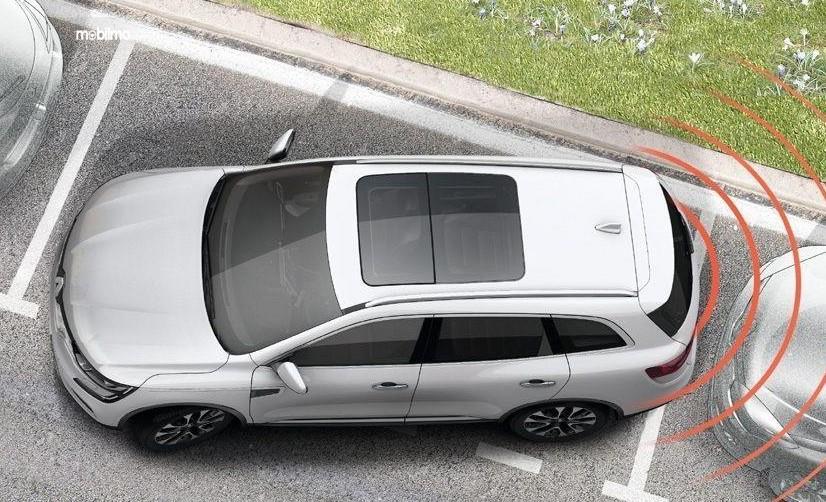 Gambar ini menunjukkan ilutrasi fitur parkir pada mobil Renault Koleos 2.5 Signature 2019